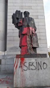 Standbeeld van Indalecio Prieto Tuero, minister in de laatste democratische regering voor de dictatuur van Franco vanaf 1939.(foto: Sven Tuytens)