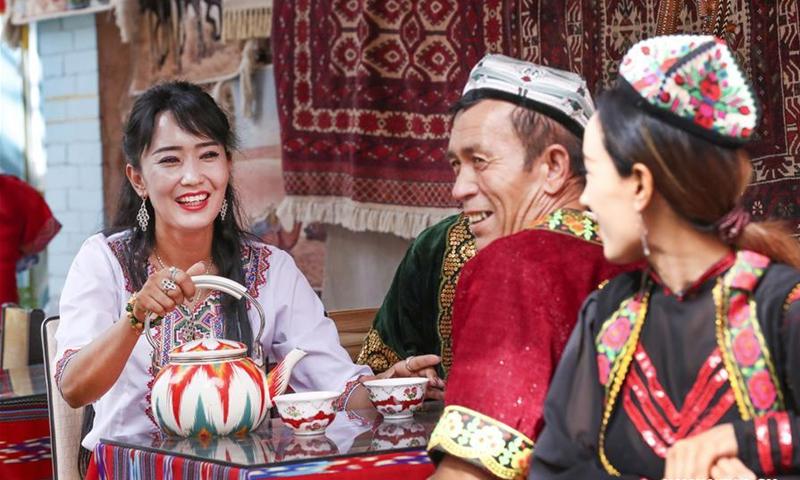 'Oeigoeren in de Volksrepubliek', meer dan propaganda?