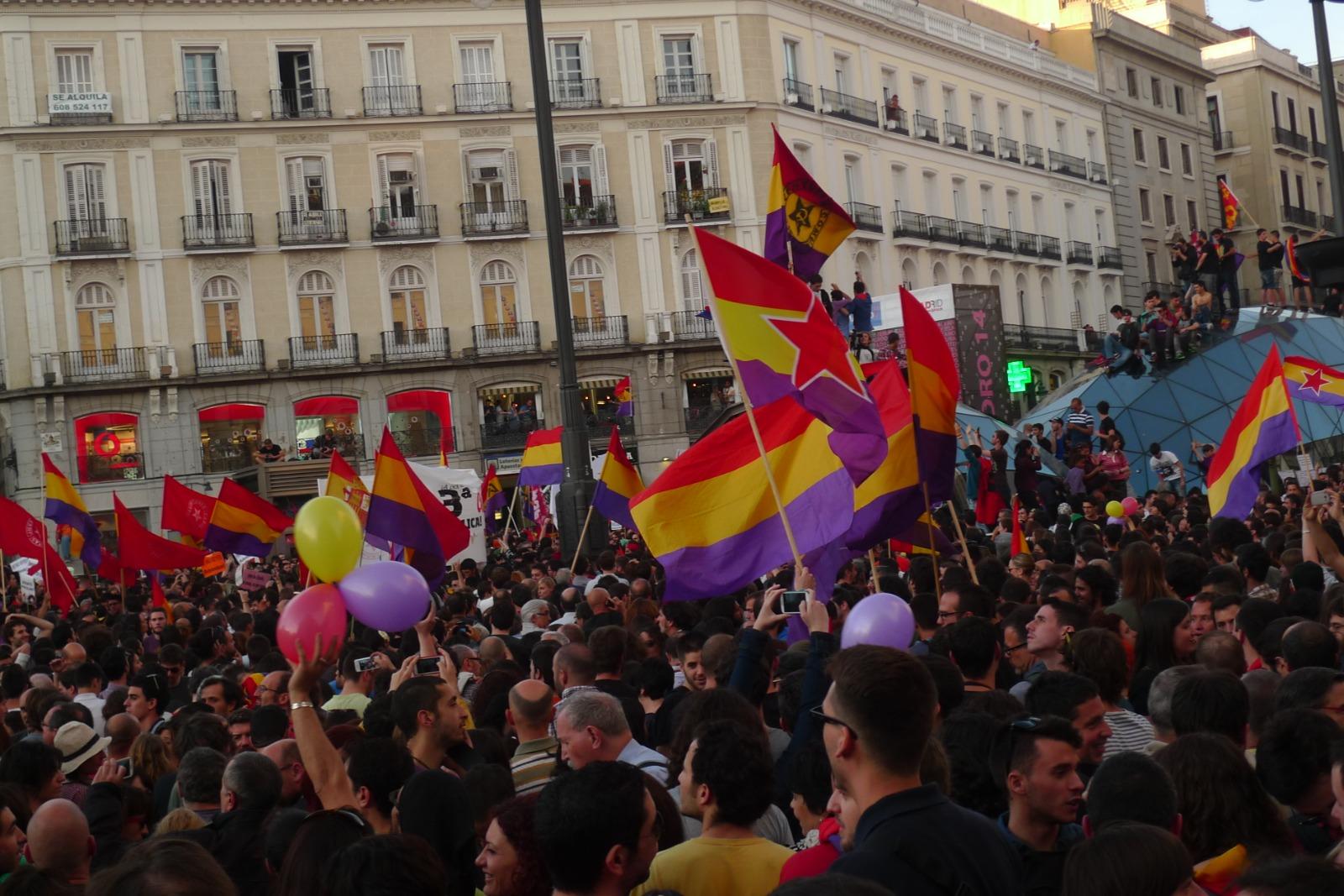 Tweespalt in Spanje tussen republikeinen en koningsgezinden