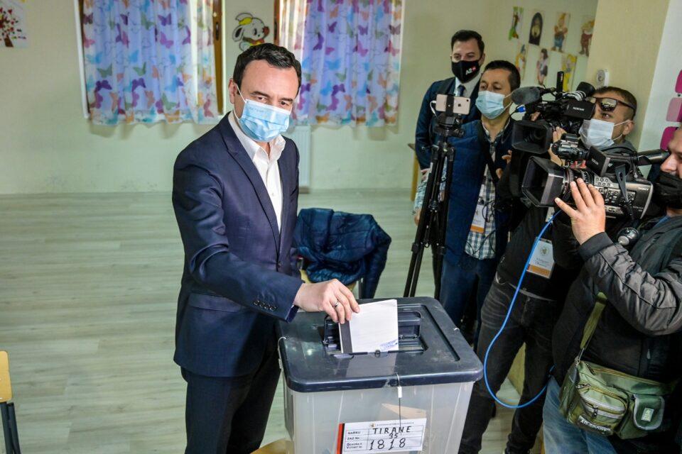 Albanië blijft 'socialistisch'