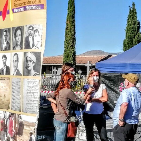 Opgraving begin september 2020 van massagraf van 17 militieleden die op 25 juli 1936 door franquistische opstandelingen gefusilleerd werden aan het kerkhof van El Espinar (provincie Segovia) - Fotos: Asociación para la Recuperación de la Memoria Histórica.